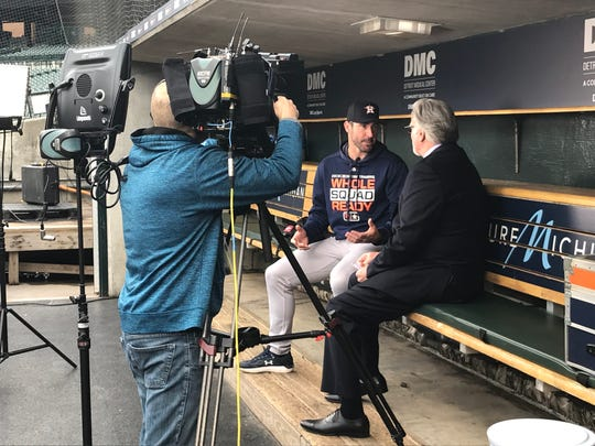 Justin Verlander and FSD's Jack Morris talk before Monday's game.