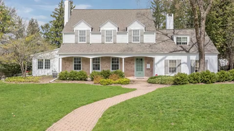 The Allouez house Green Bay Packers Coach Vince Lombardi lived in for about a year is for sale.