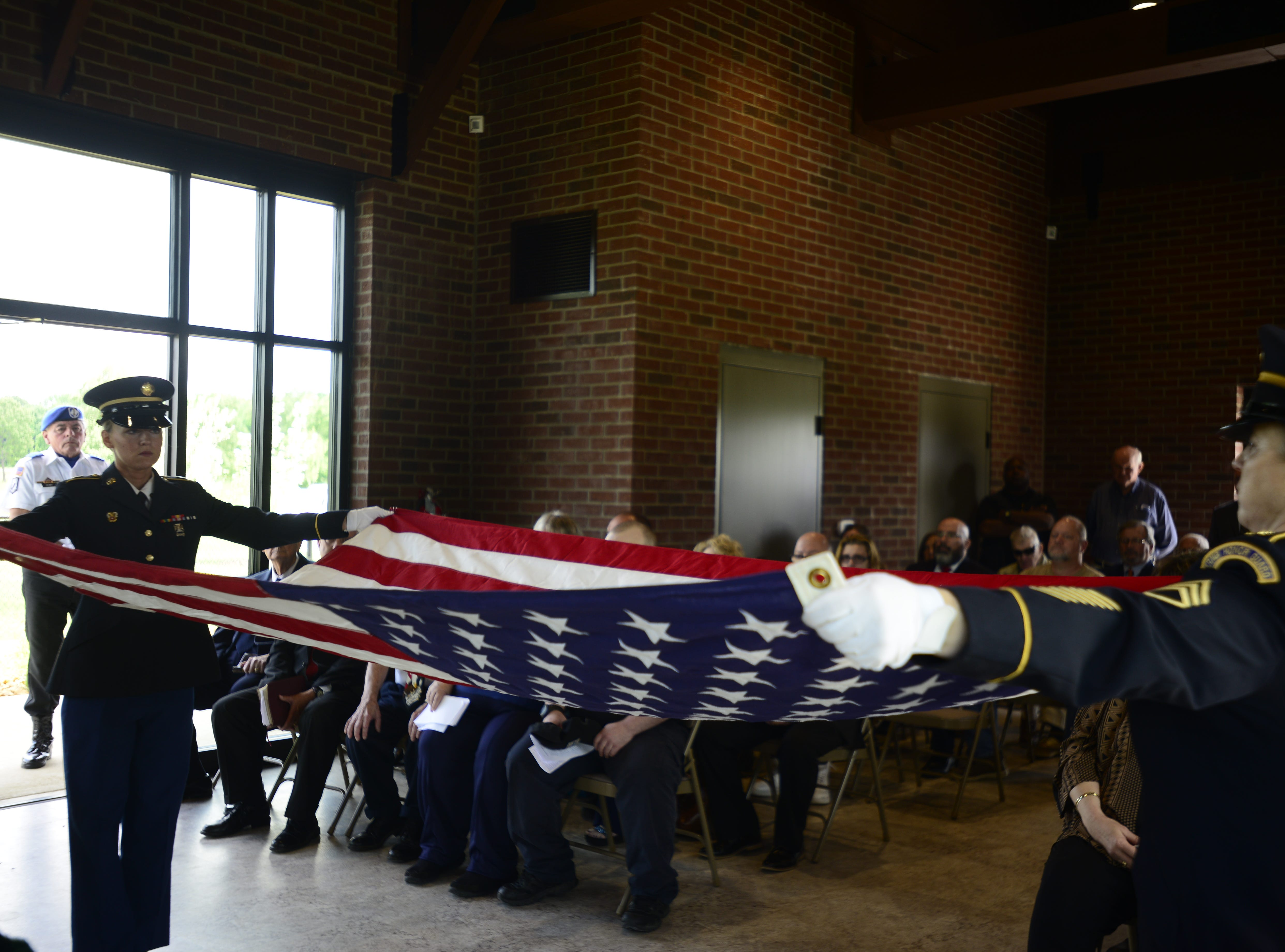 Robert Martin, an army veteran and former Memphis police officer, was laid to rest at Parkers Crossroads Monday.