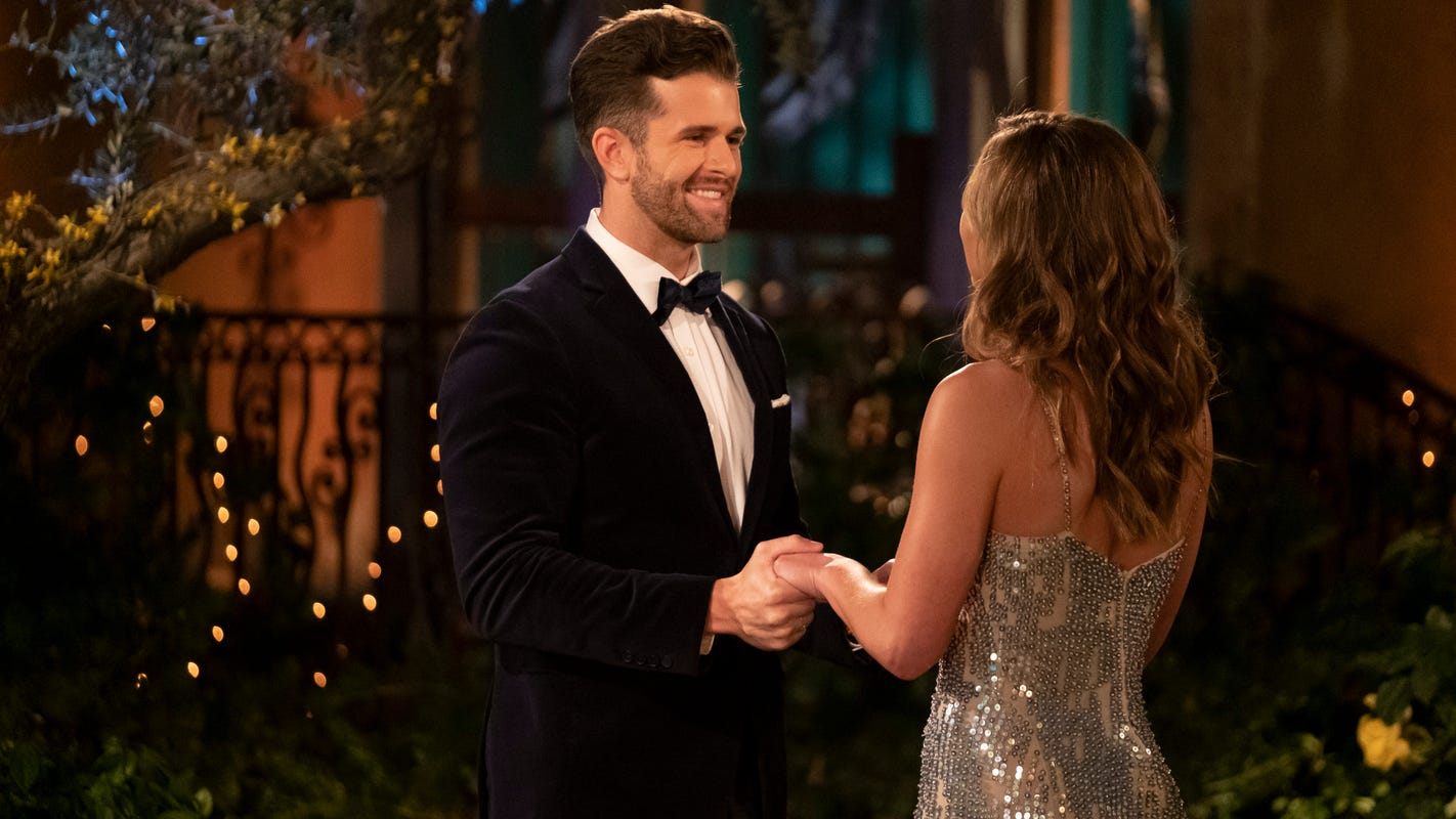 'Bachelorette': Jed Wyatt has received 'threatening letters,' calls after girlfriend drama