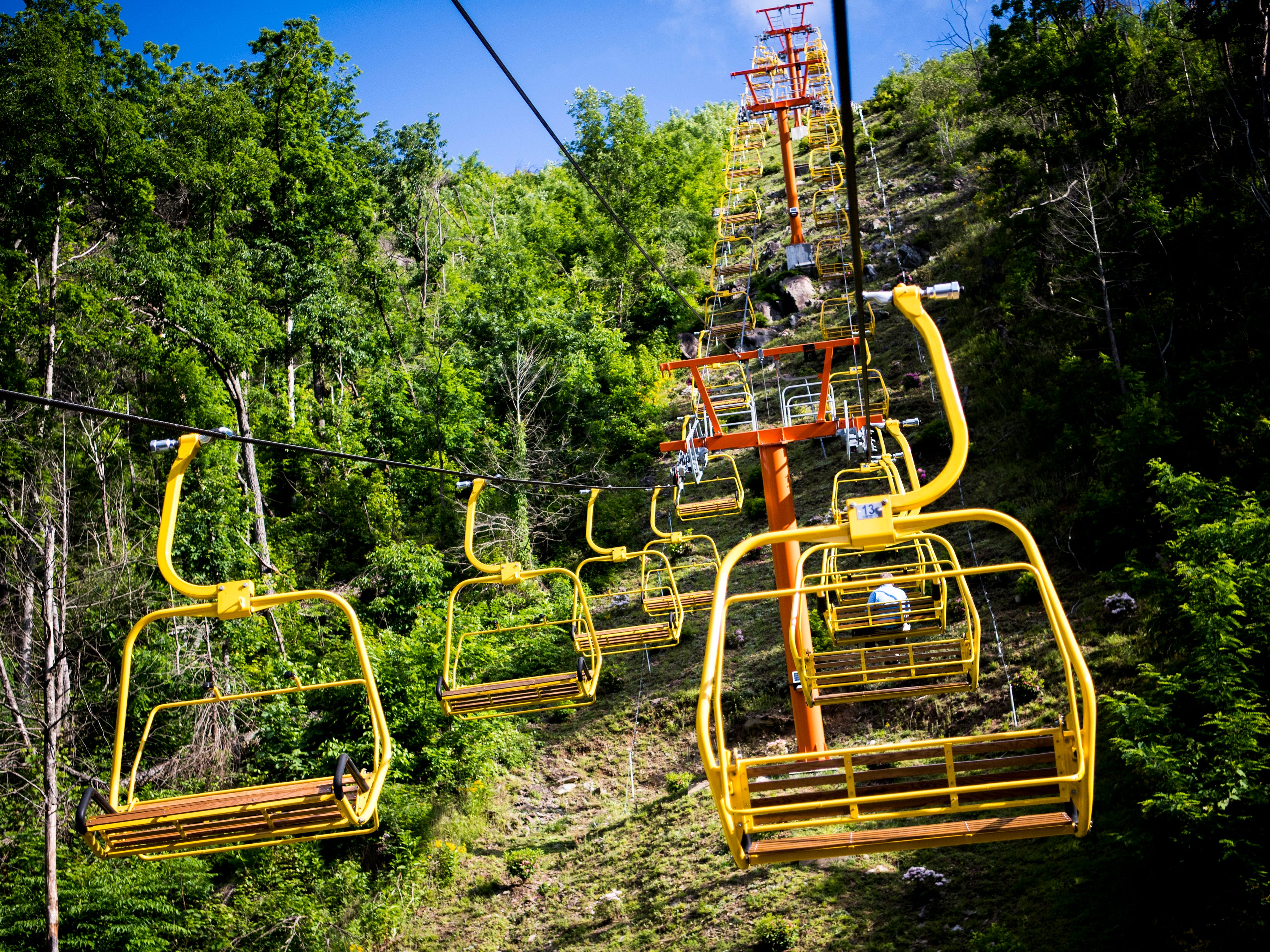 Guests wishing to access the Gatlinburg SkyBridge must ride the Gatlinburg SkyLift to the top.