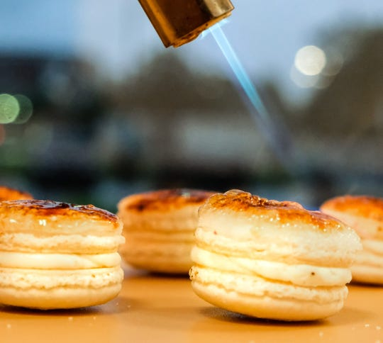 "Bonne Vie Macarons ""creme brûlée macaron"""