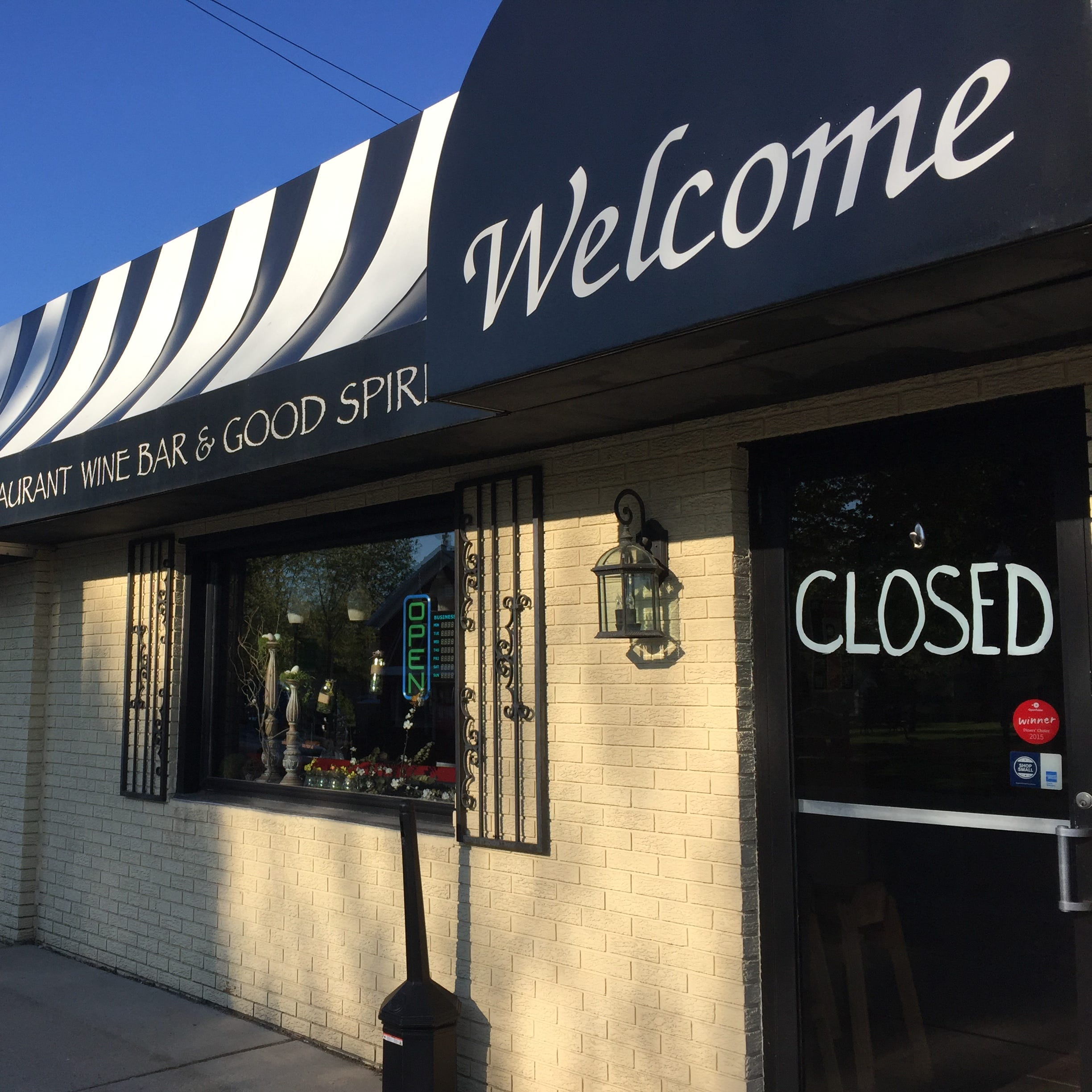 Popular downtown Pinckney restaurant closes, put up for sale