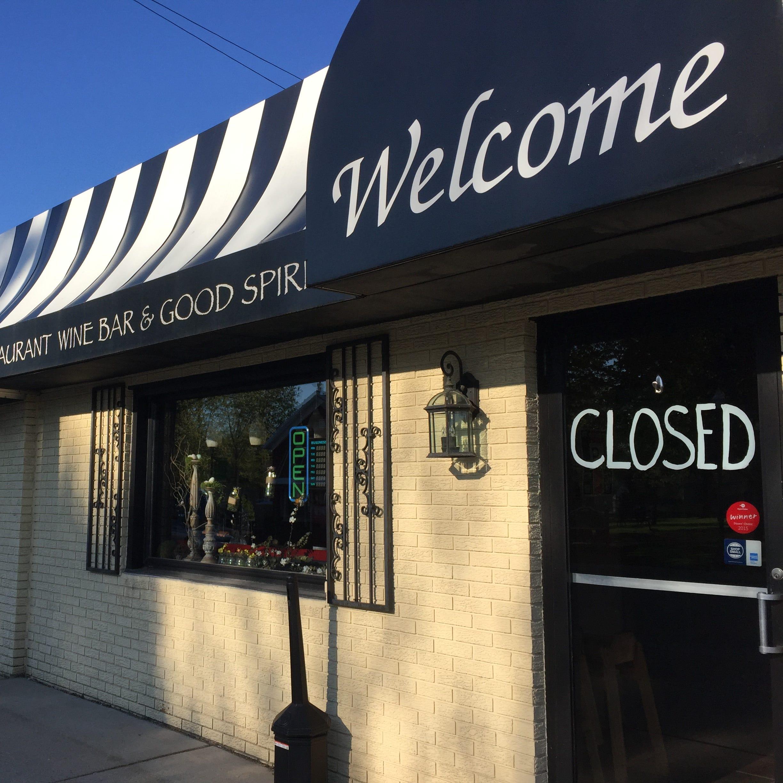 Popular downtown Pinckney restaurant closes, put up for sale