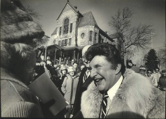 Liberace greeted fans Saturday outside the Liberace Playhouse at the Veterans Administration Center.  Liberace