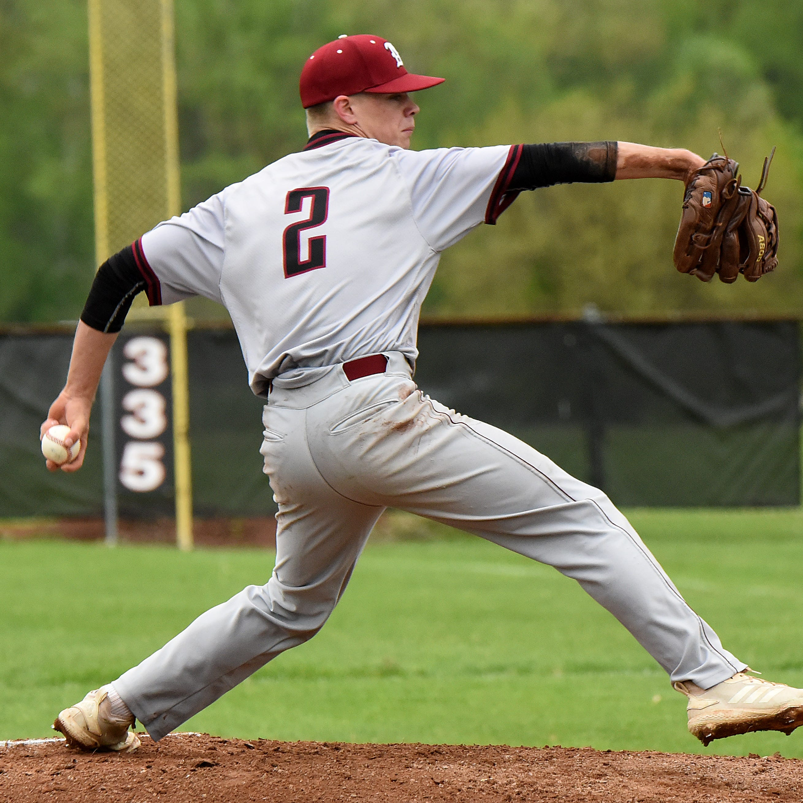 Newark baseball makes clutch plays late in first-round win