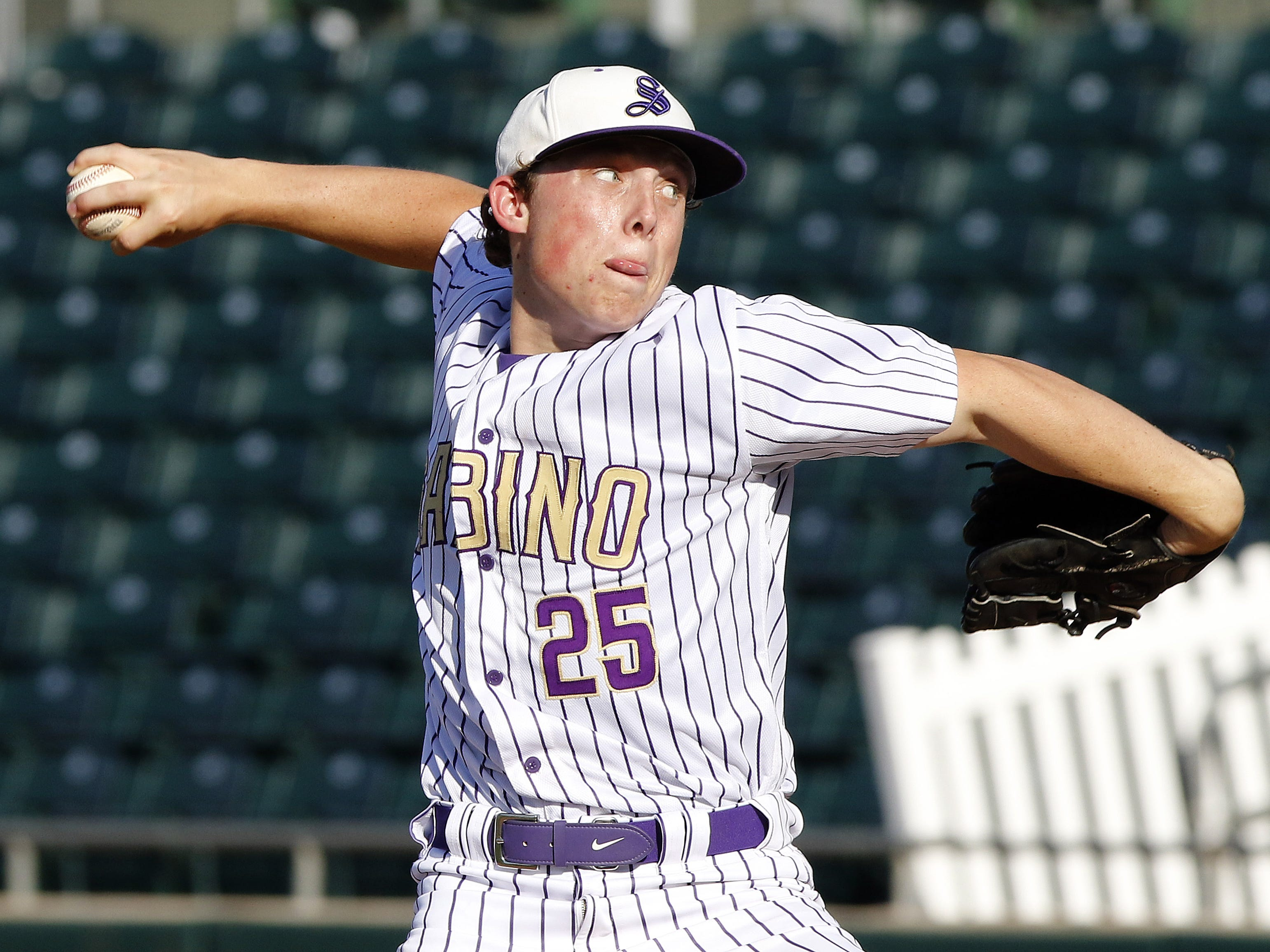 Sabino's Mike Snyder pitches against Sahuarita during the 3A State Championship in Mesa, Monday, May 13, 2019.