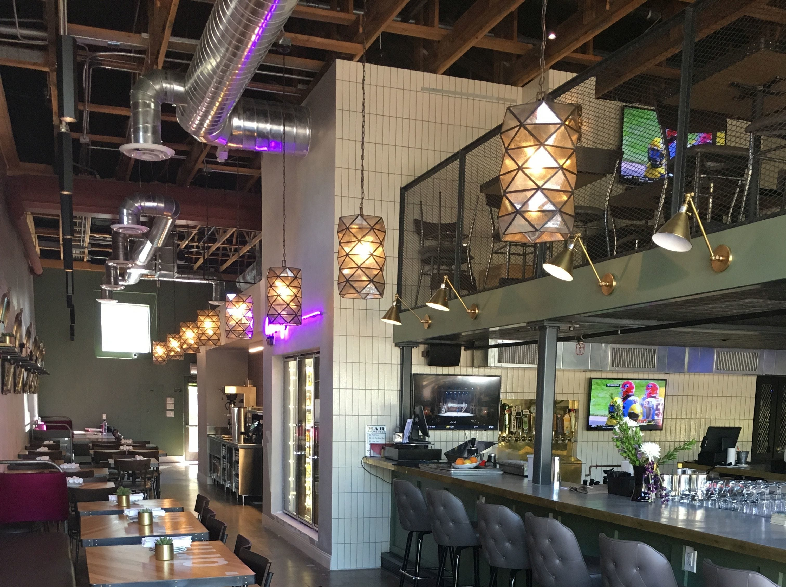 The Rott n' Grapes RoRo dining room, now open on Roosevelt Street and Third Avenue.