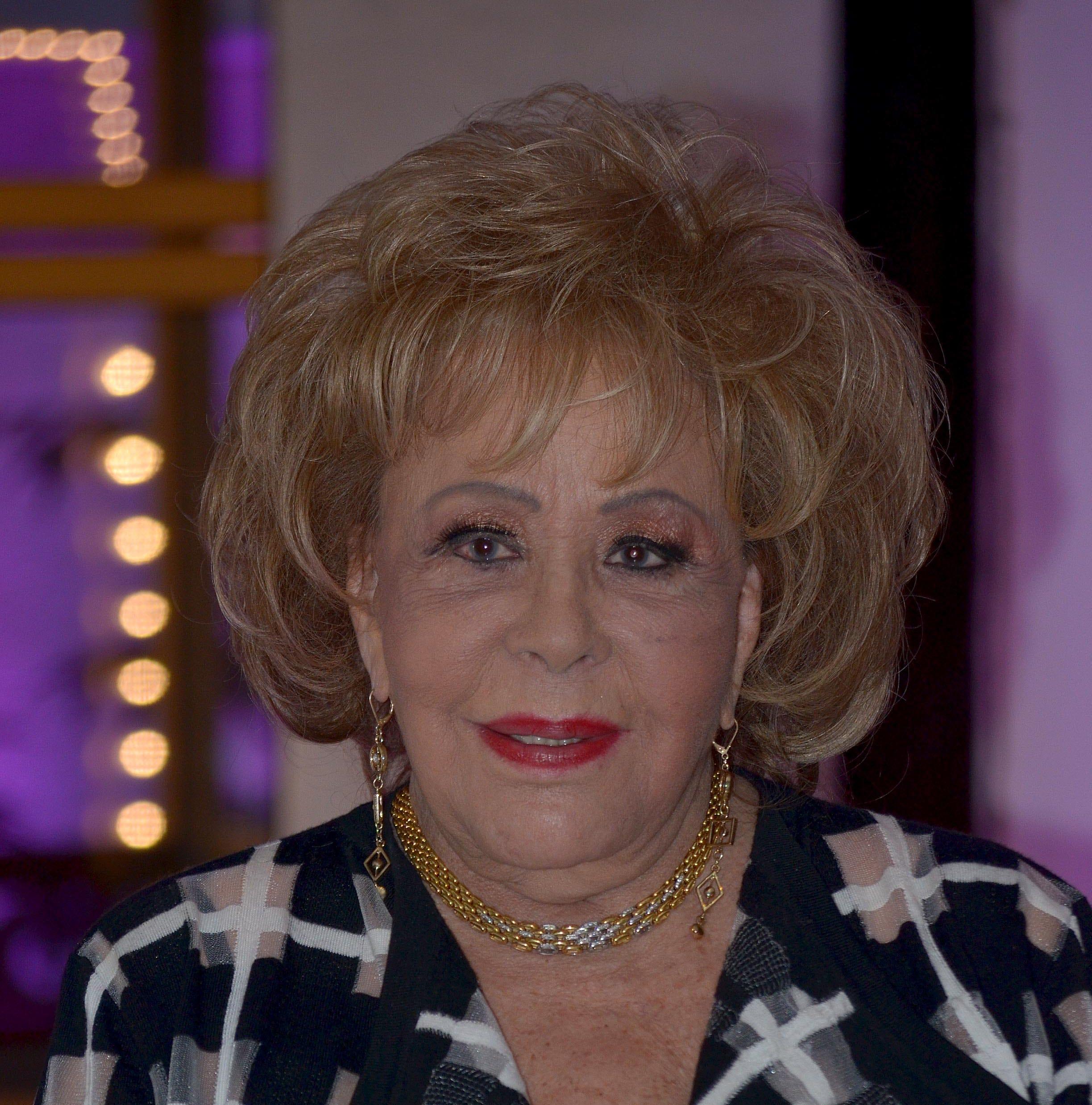 Silvia Pinal se mantiene al margen de las declaraciones de su nieta Frida Sofía