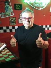 El productor Gustavo Farías, dice que aunque lleva una excelente relación con Iván Aguilera, hay cosas con las que no está de acuerdo.