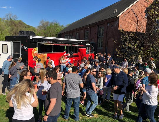 Delaware's newest food truck, Kono Pizza, made its debut at Dew Point Brewing Co. in Yorklyn on April 27.