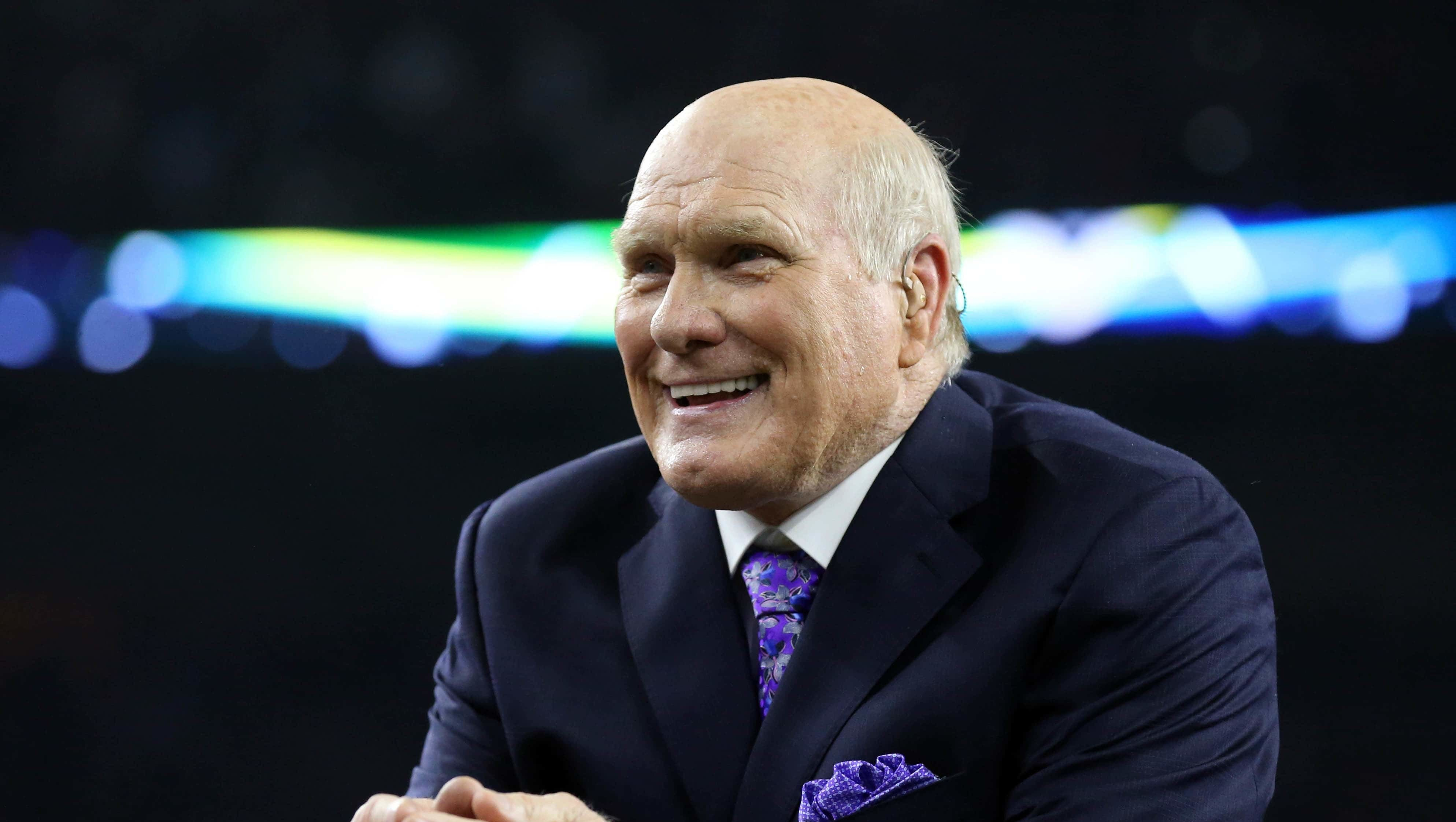 Terry Bradshaw to Ken Jeong: Sorry for offensive, 'insensitive remark'
