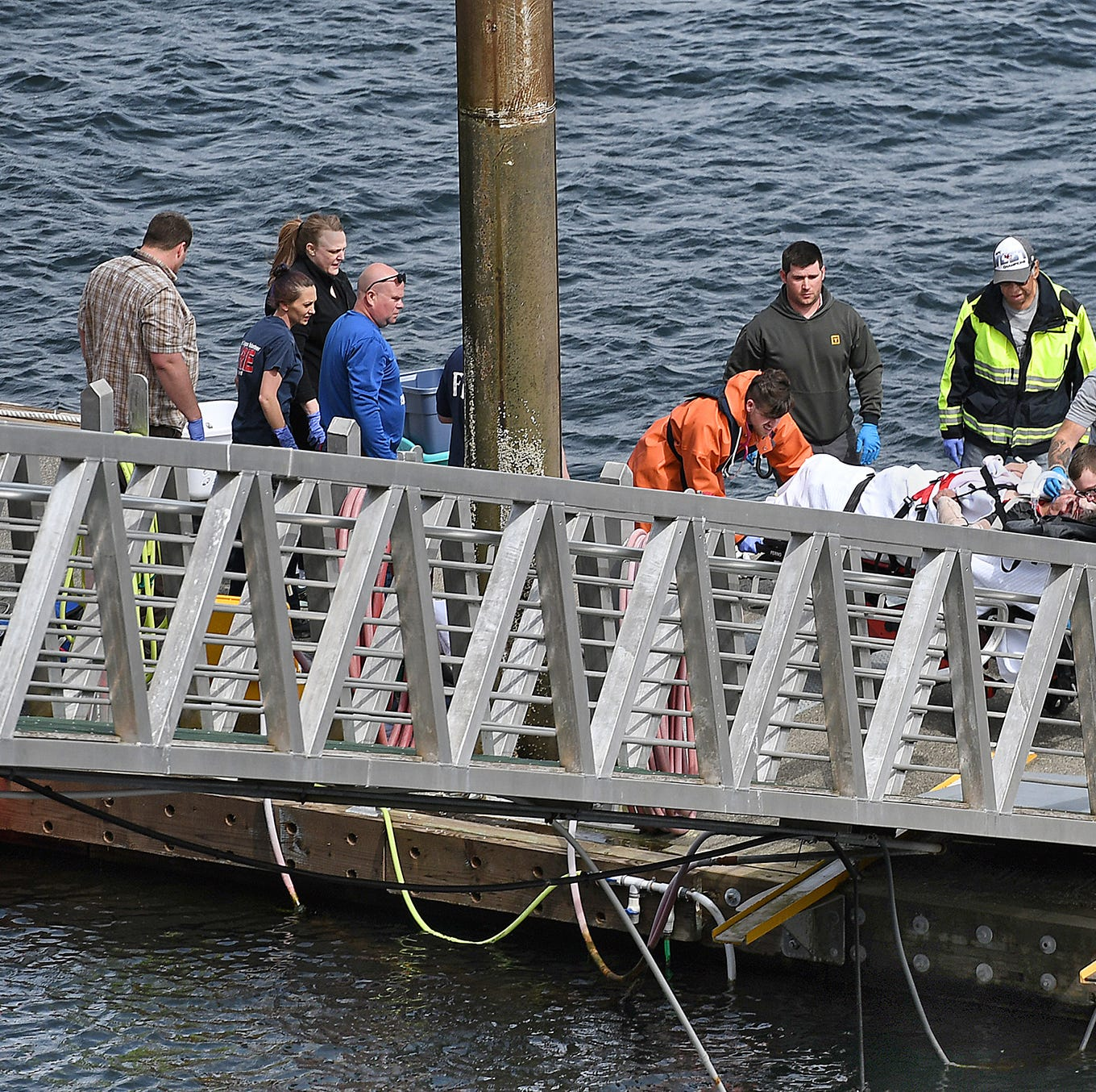 Two floatplanes collide in midair near Ketchikan, Alaska; 5 dead, 1 missing, 10 injured