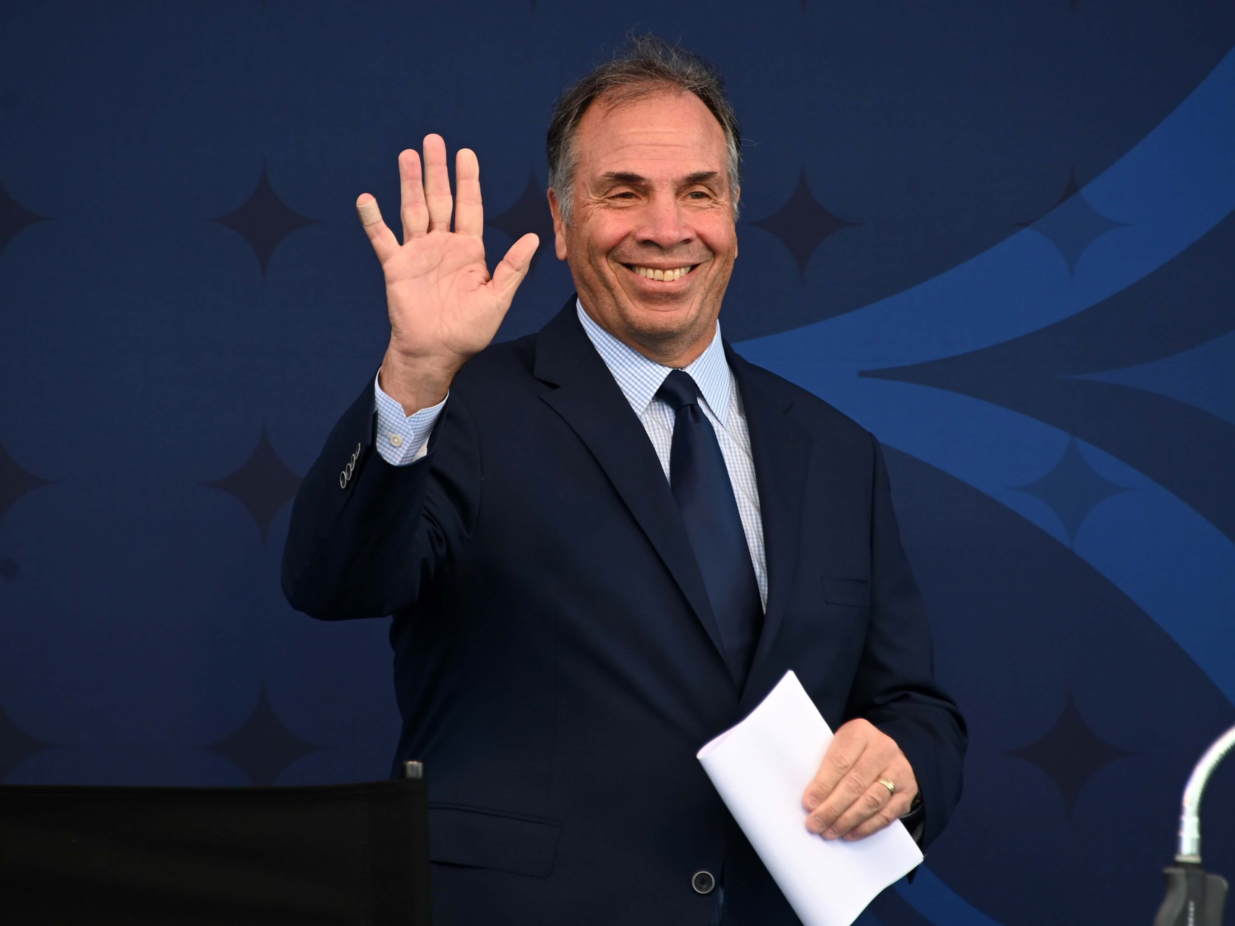 New England Revolution hire five-time MLS Cup champ Bruce Arena as coach