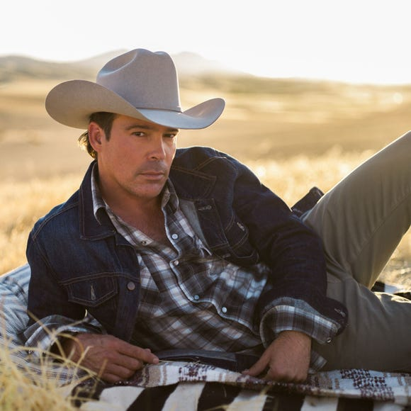Country star Clay Walker plays the Admiral Theatre June 22.