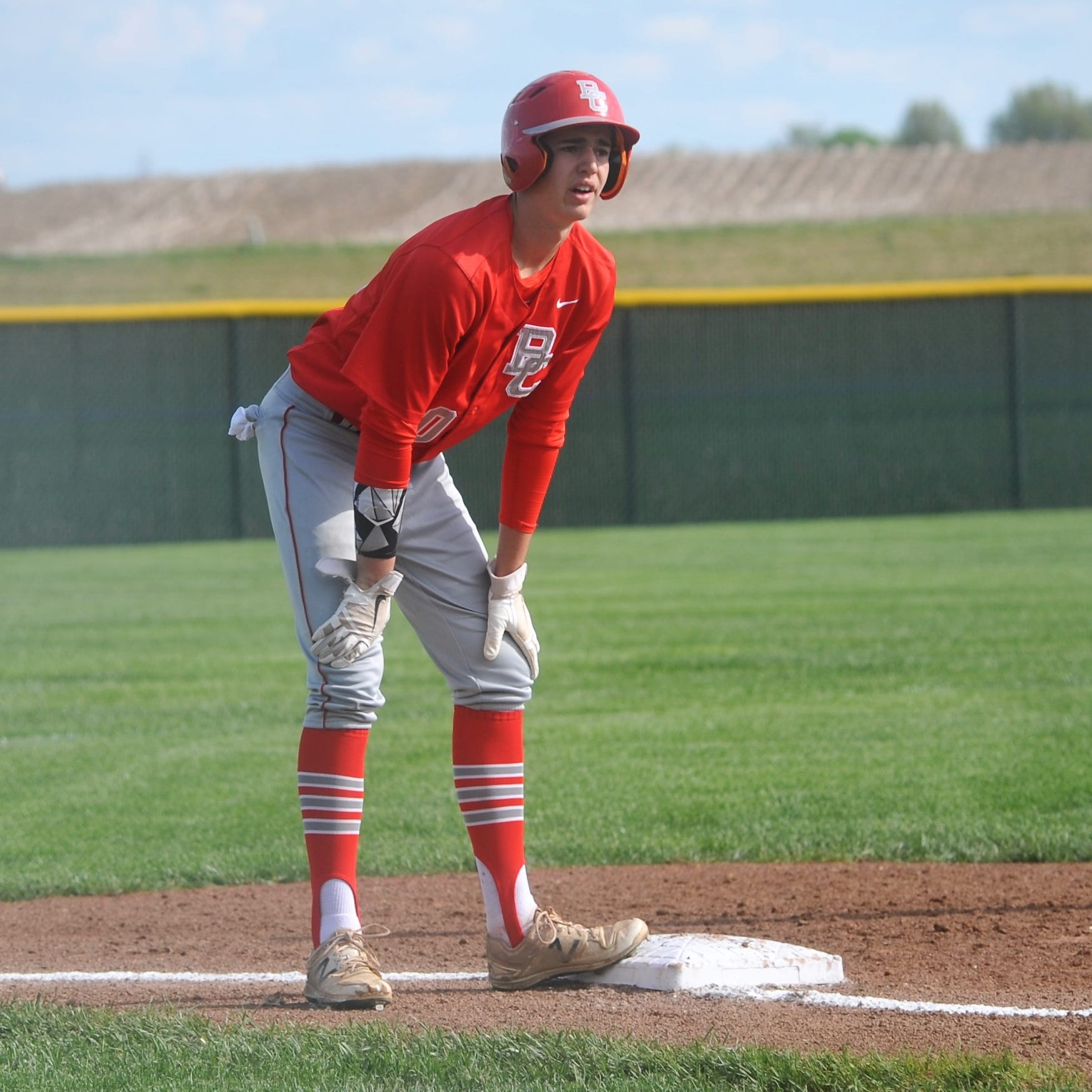 Dueling aces: Bucks outlast Bulldogs in sectional semifinal