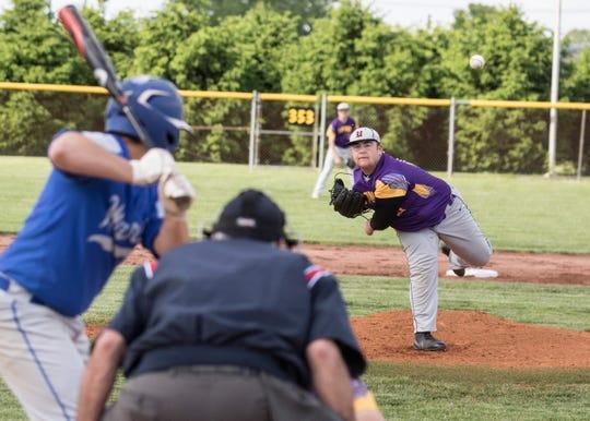 Warren baseball defeated Unioto 11-1 Tuesday night at Unioto High School in Chillicothe, Ohio.