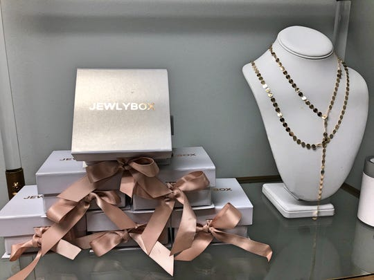 Jewlybox is a monthly jewelry subscription service where each month subscribers get a package with three pieces of trendy jewelry.