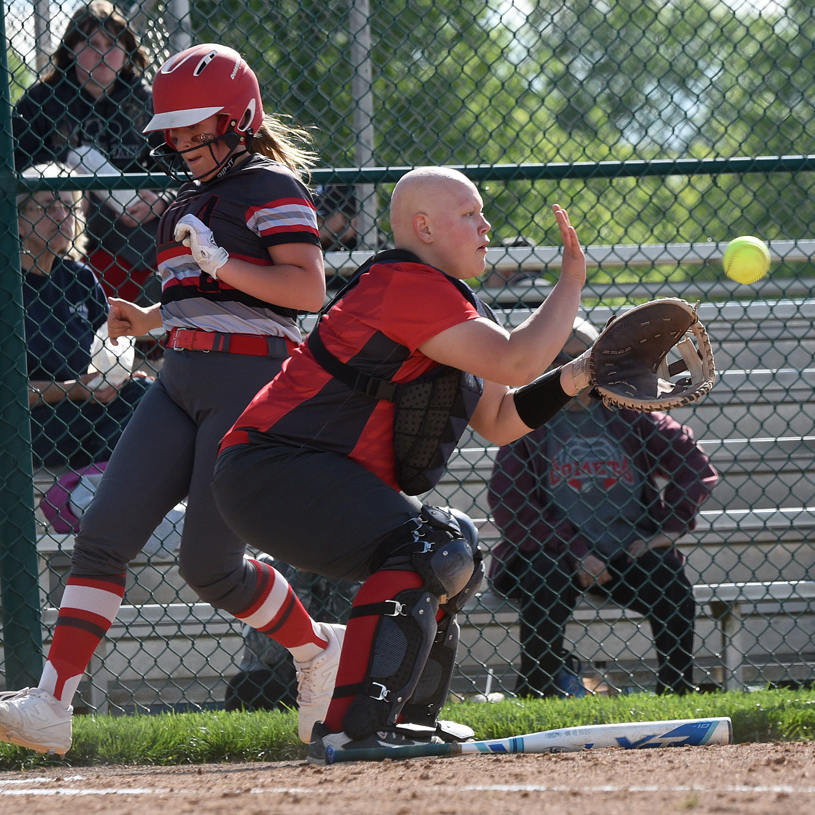 Utica takes Elgin's punch, responds for district softball victory