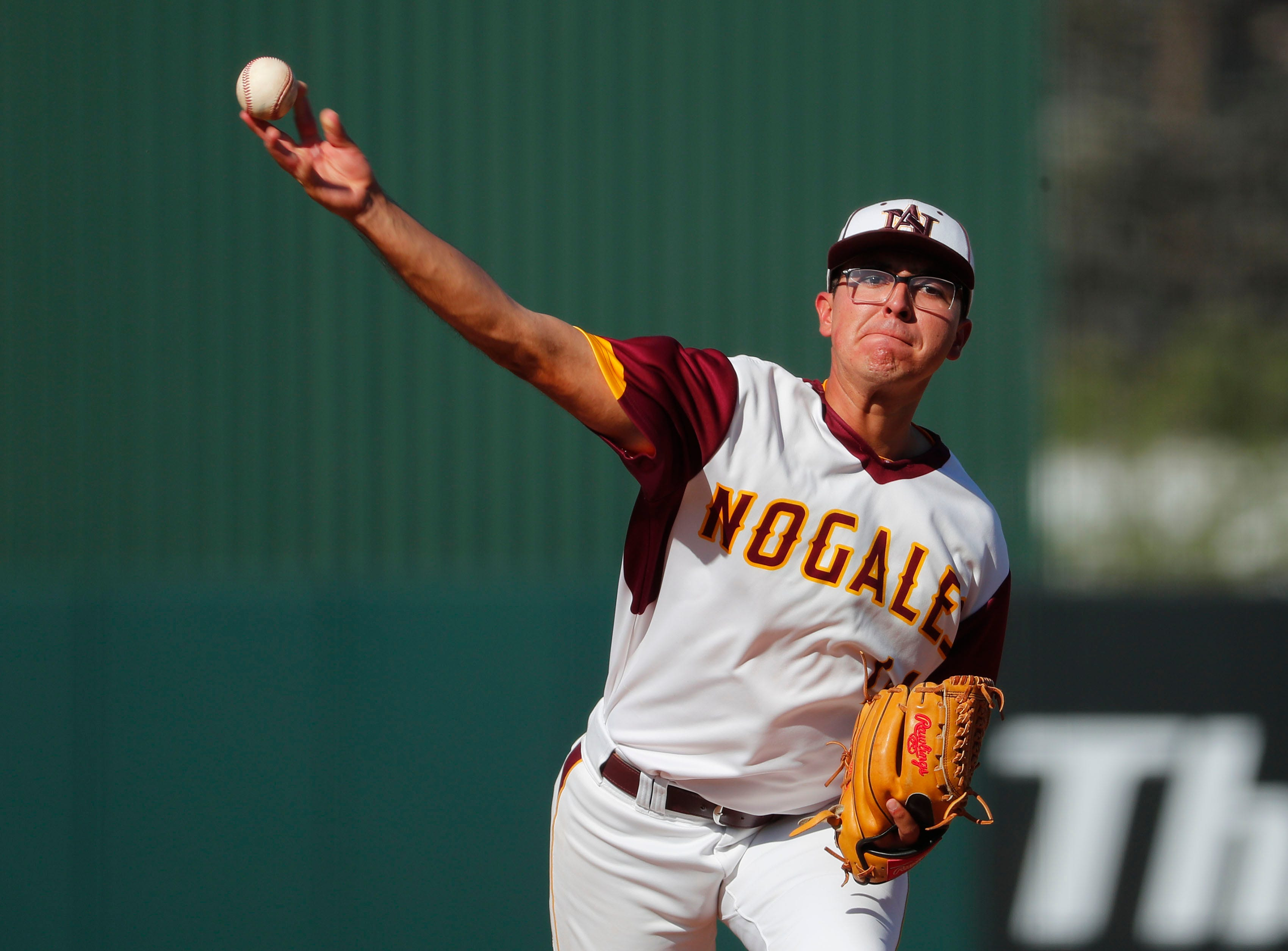Nogales pitcher Alec Acevedo (14) throws against Horizon during the 5A State Baseball Championship in Tempe, Ariz. May 14, 2019.