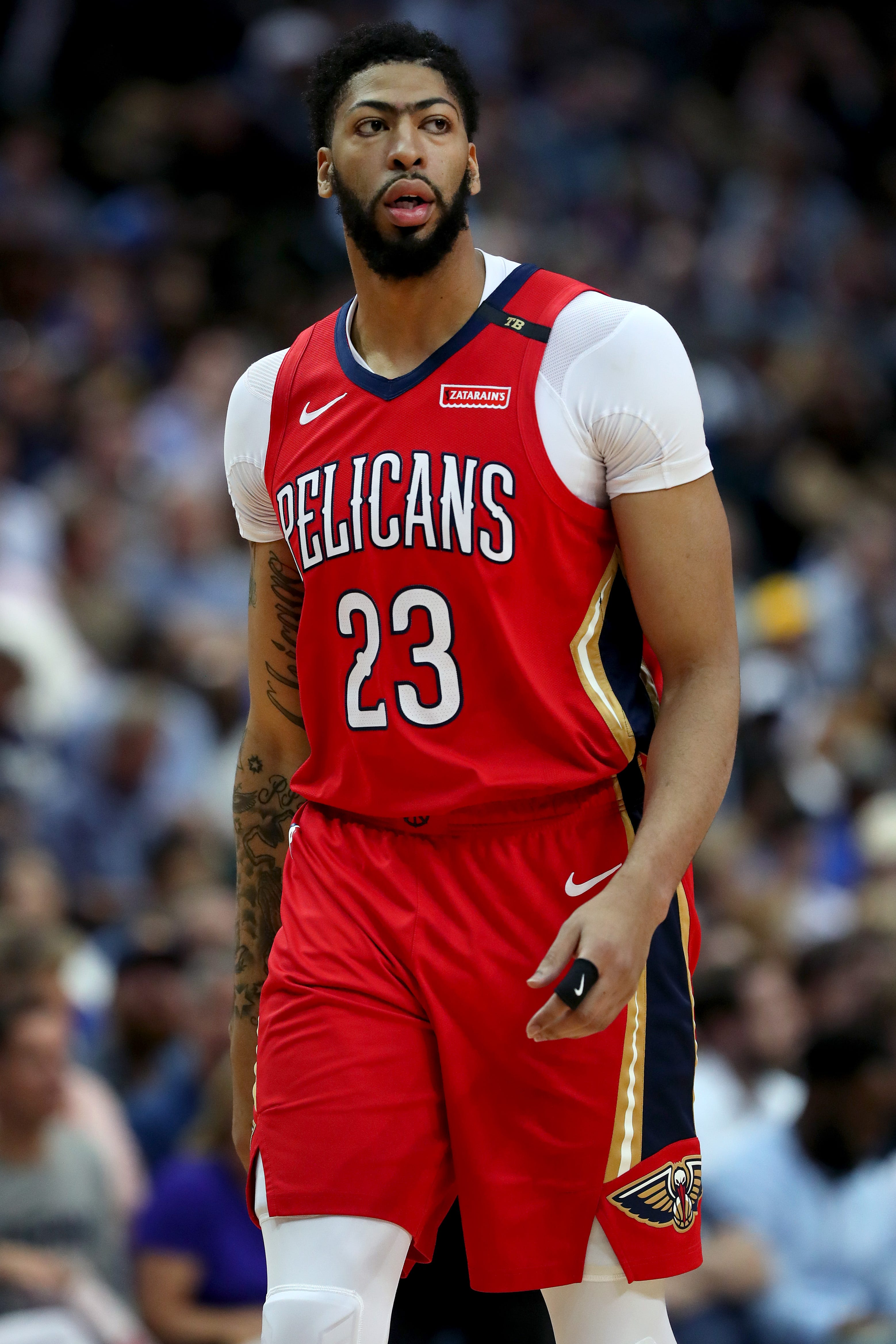 Pelicans coach takes shot at Knicks, fellow tankers; GM believes Anthony Davis could stay