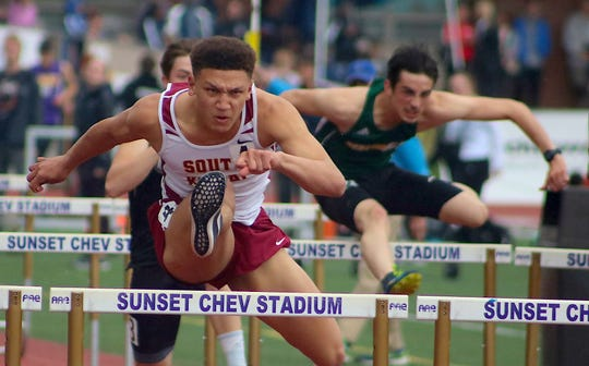 South Kitsap junior Deyondre Davis will be a contender for Class 4A 110-meter and 300-meter hurdle titles at the state track and field championships.