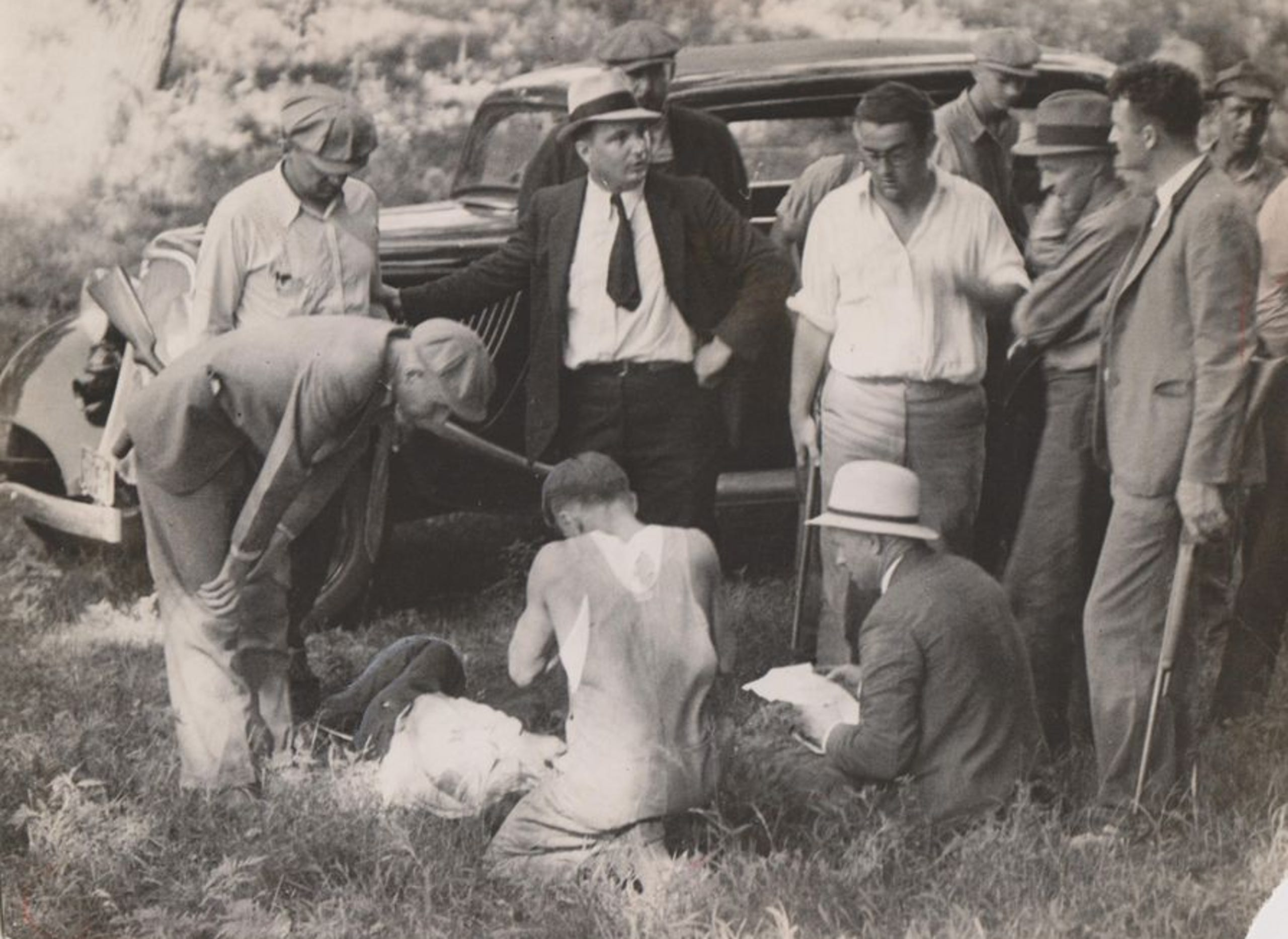 Bonnie and Clyde's notorious gang had a shootout near Dexter, Iowa