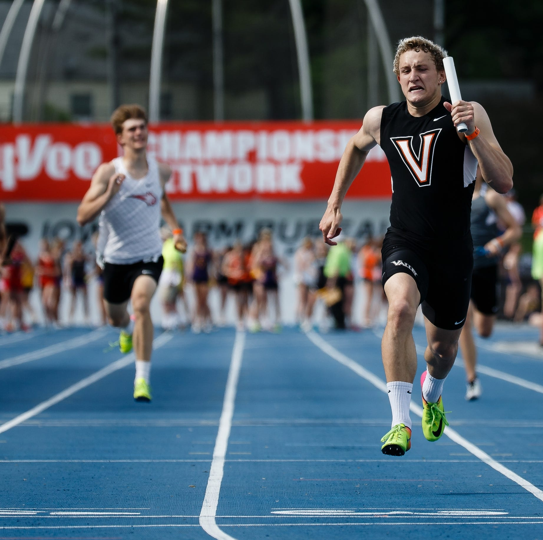 State track: Valley sets all-time mark in 4x200-meter relay; Grant Brouwer adds state title to Drake title
