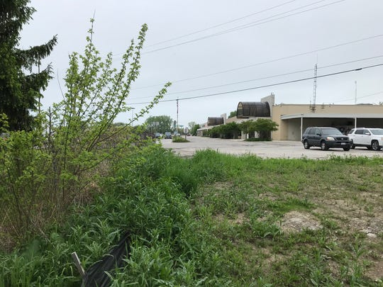 Port Clinton officials are hoping to turn this vacant lot south of City Hall into a community park.