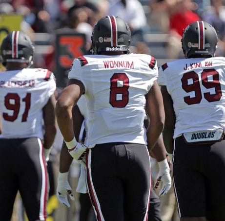 South Carolina finally has defensive line depth. What's the best way to deploy it?