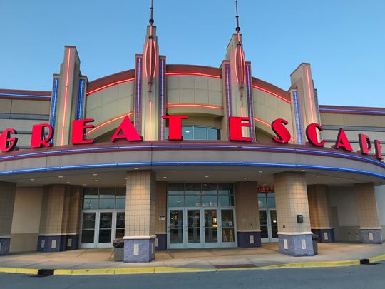 Regal Cinemas: New Albany movei theater in New Albany, Indiana.