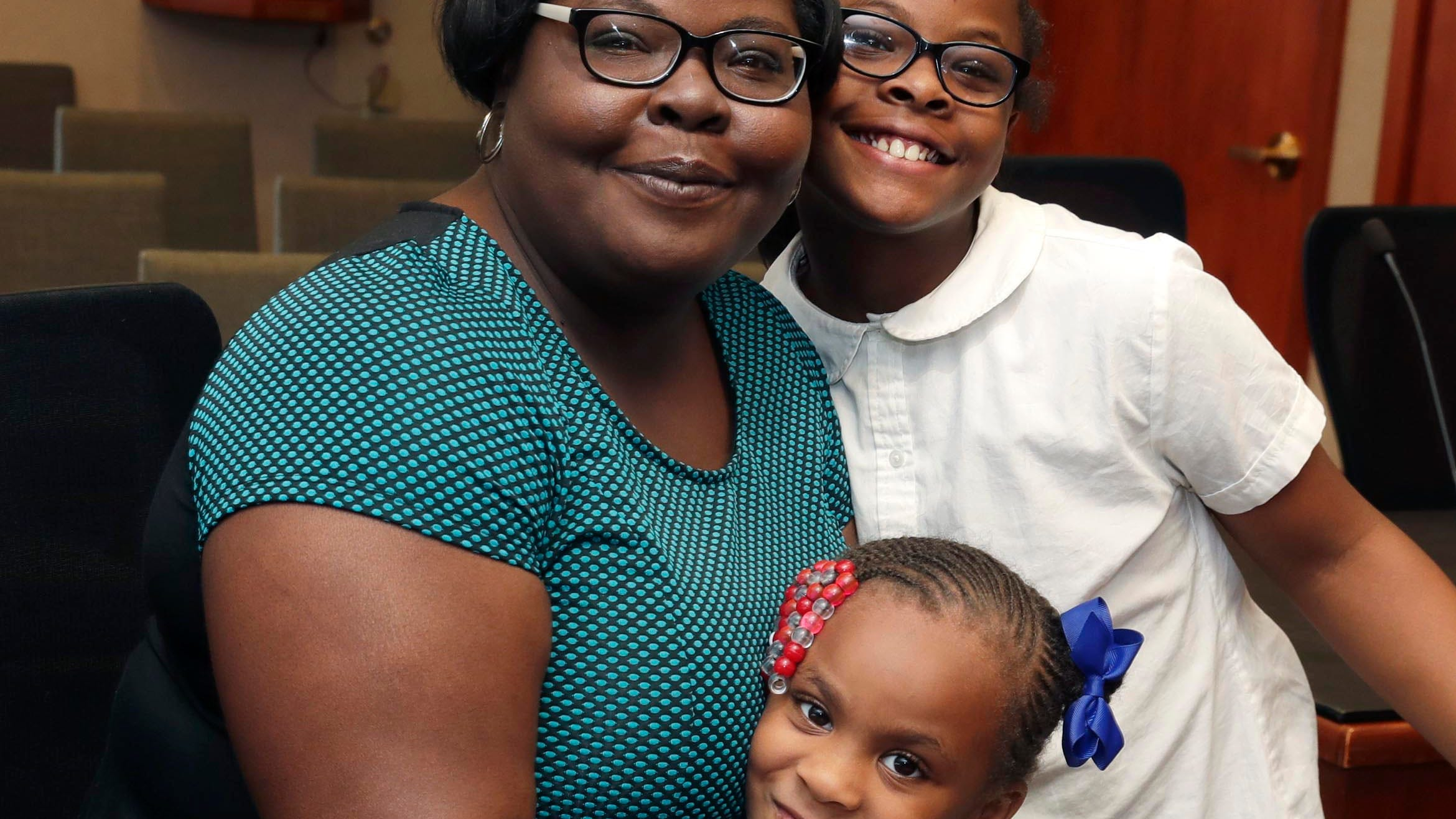 'You have to break generational curses': Single mom overcomes obstacles on way to MATC graduation stage