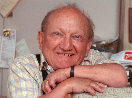 Billy Barty died in 2000