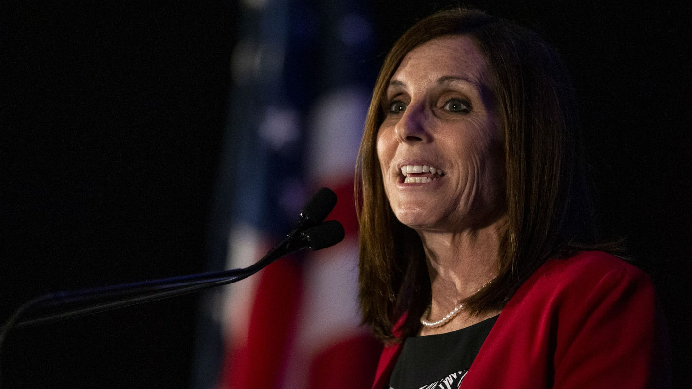 Martha McSally raises nearly $3.4 million in second quarter; lags behind rival Mark Kelly