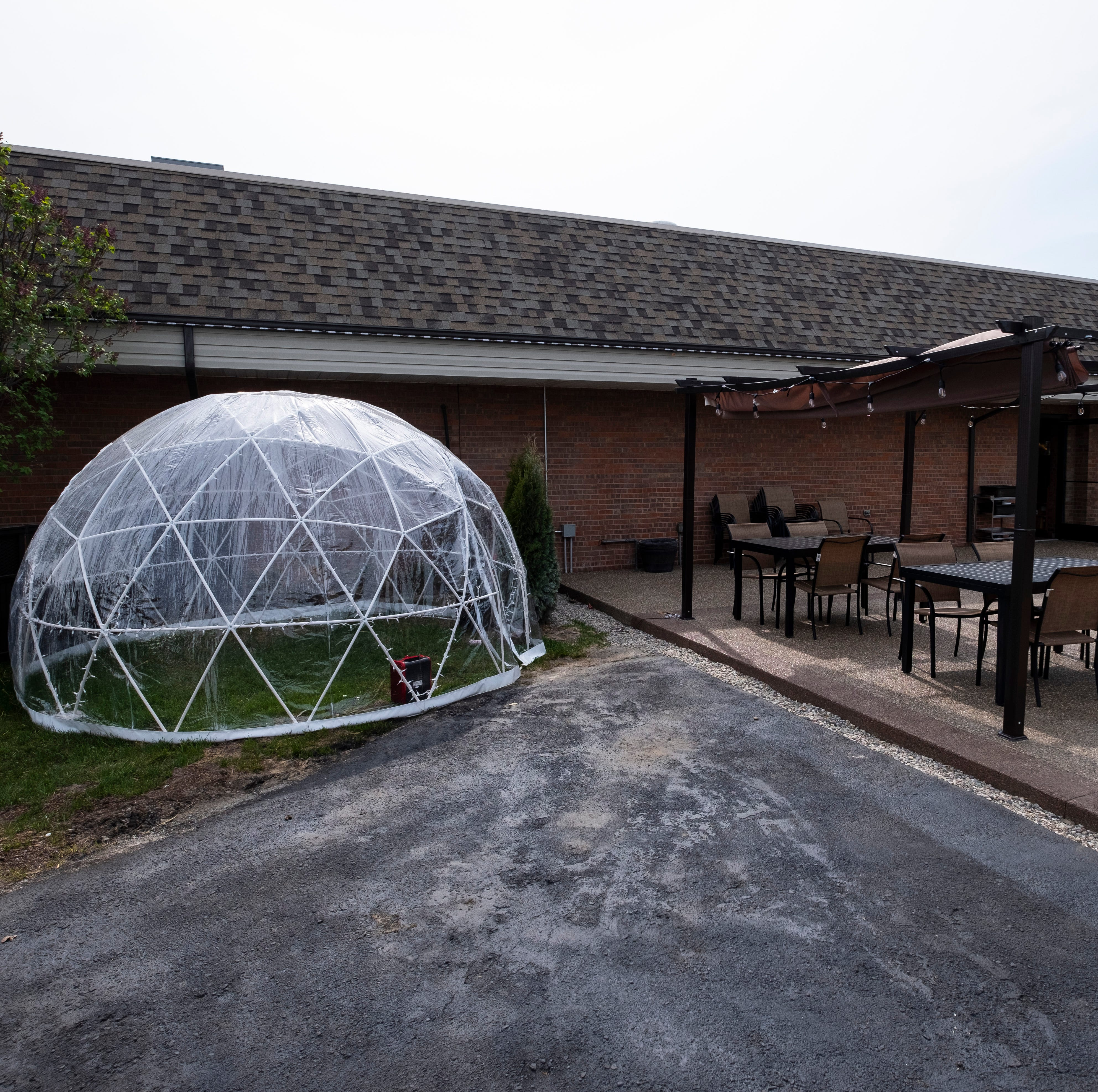Marysville restaurant tests 'igloo' idea for outdoor dining
