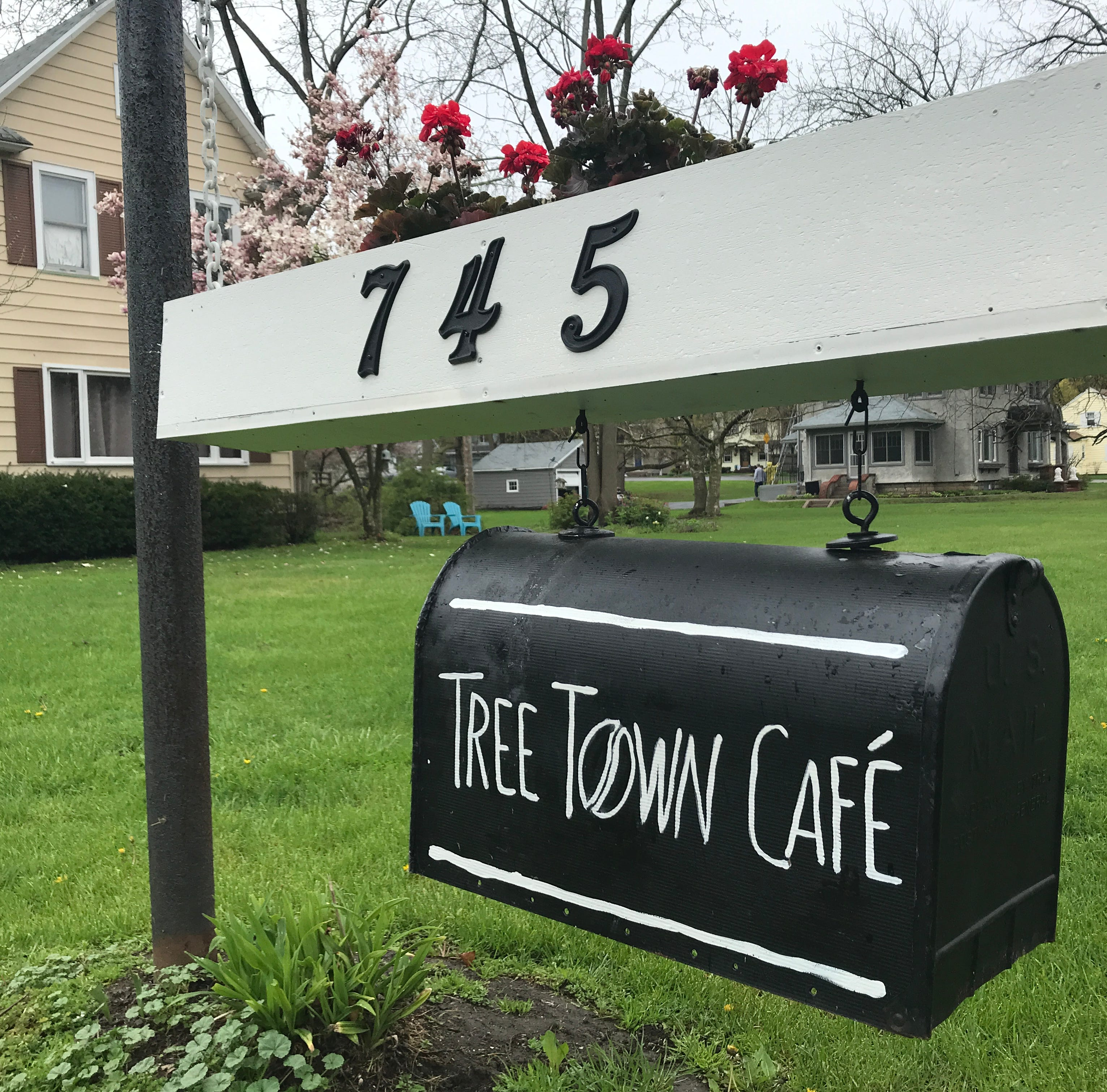 Tree Town Cafe opens in former Bernunzio's space in Brighton