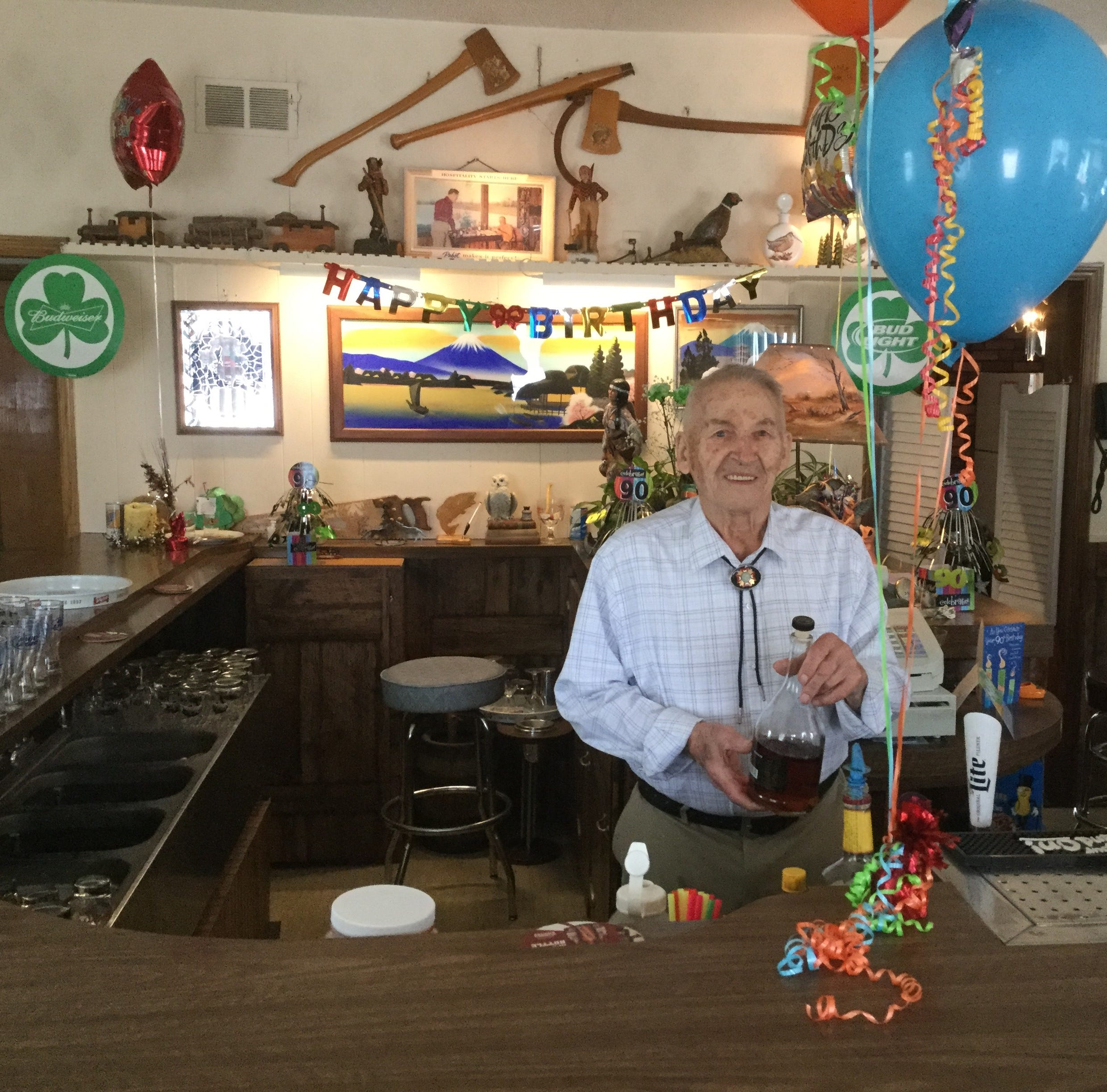 Wally's Bar owner remembered for his dedication to Mosinee, veterans, gardening