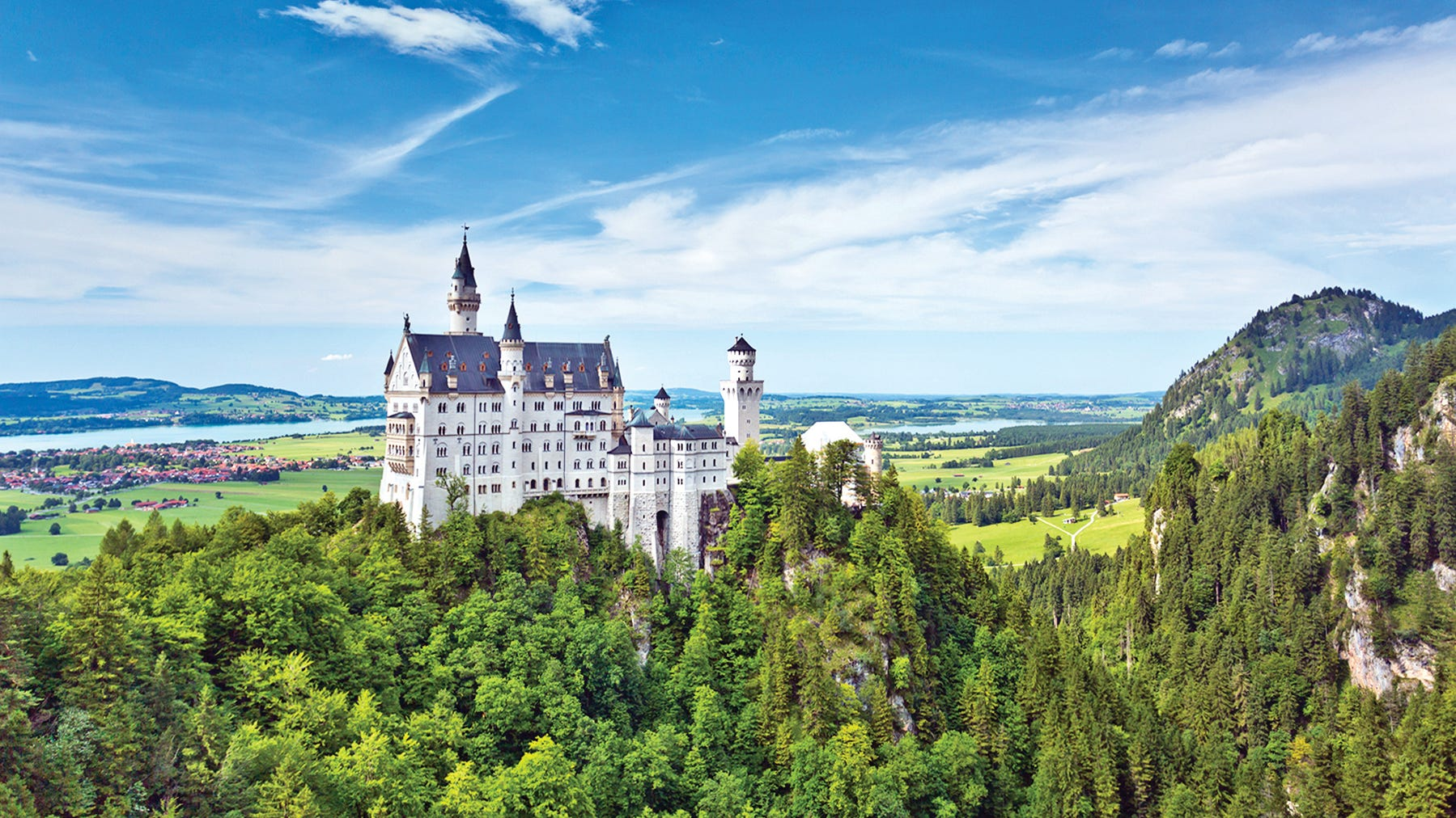 In its fairy-tale alpine setting, Neuschwanstein Castle is the most popular tourist destination in southern Bavaria.