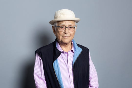 Legendary producer Norman Lear will appear with Jimmy Kimmel on an ABC special featuring live performances of two classic Lear sitcoms, 'All in the Family' and 'The Jeffersons.'