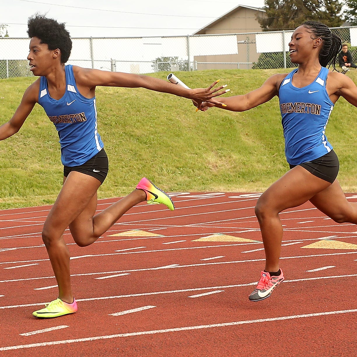 Bremerton's relay state champs ready to defend title