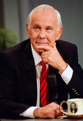 """Johnny Carson, during the taping of his final """"Tonight Show,"""" on May 22, 1992."""