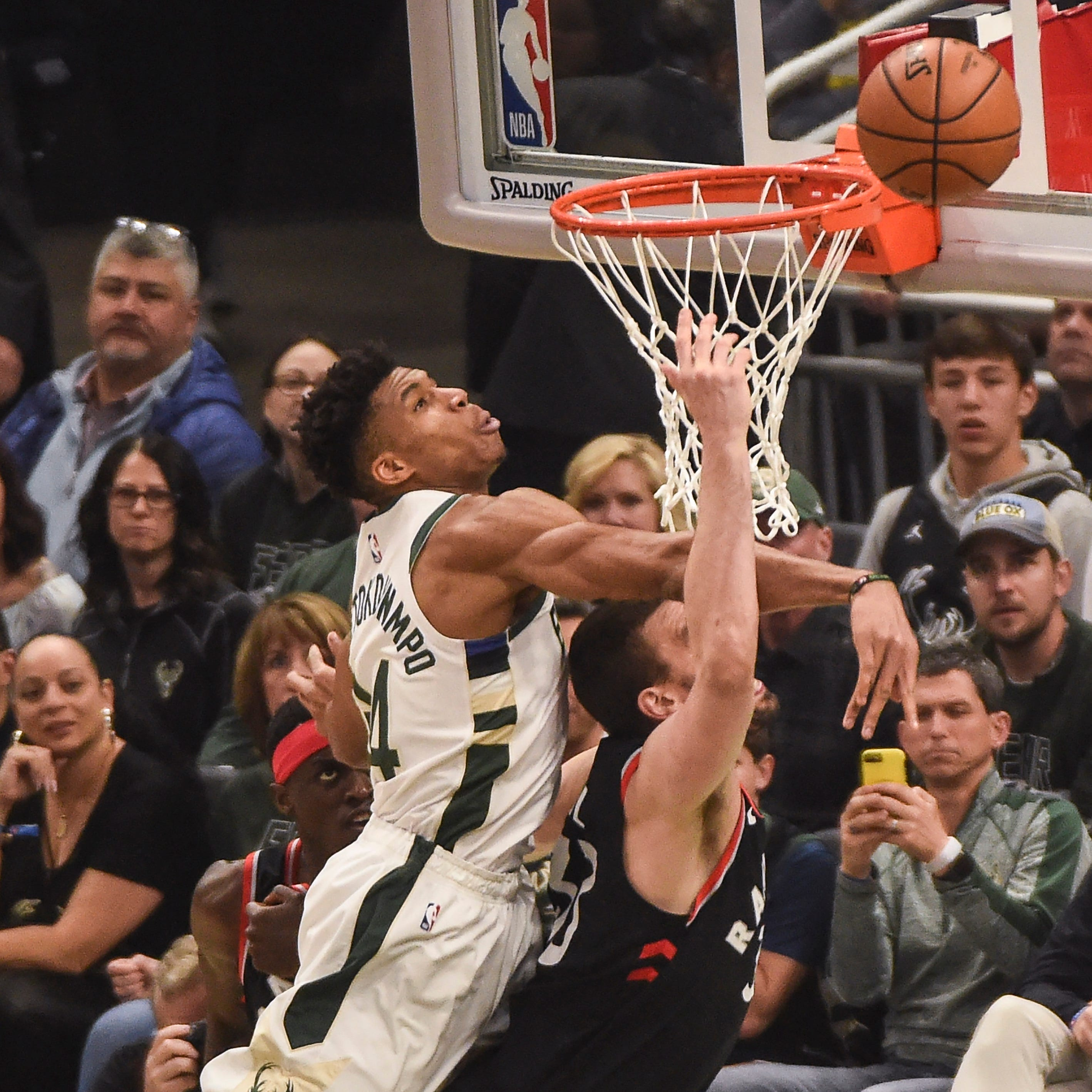 Live Coverage: Bucks-Raptors, Game 2