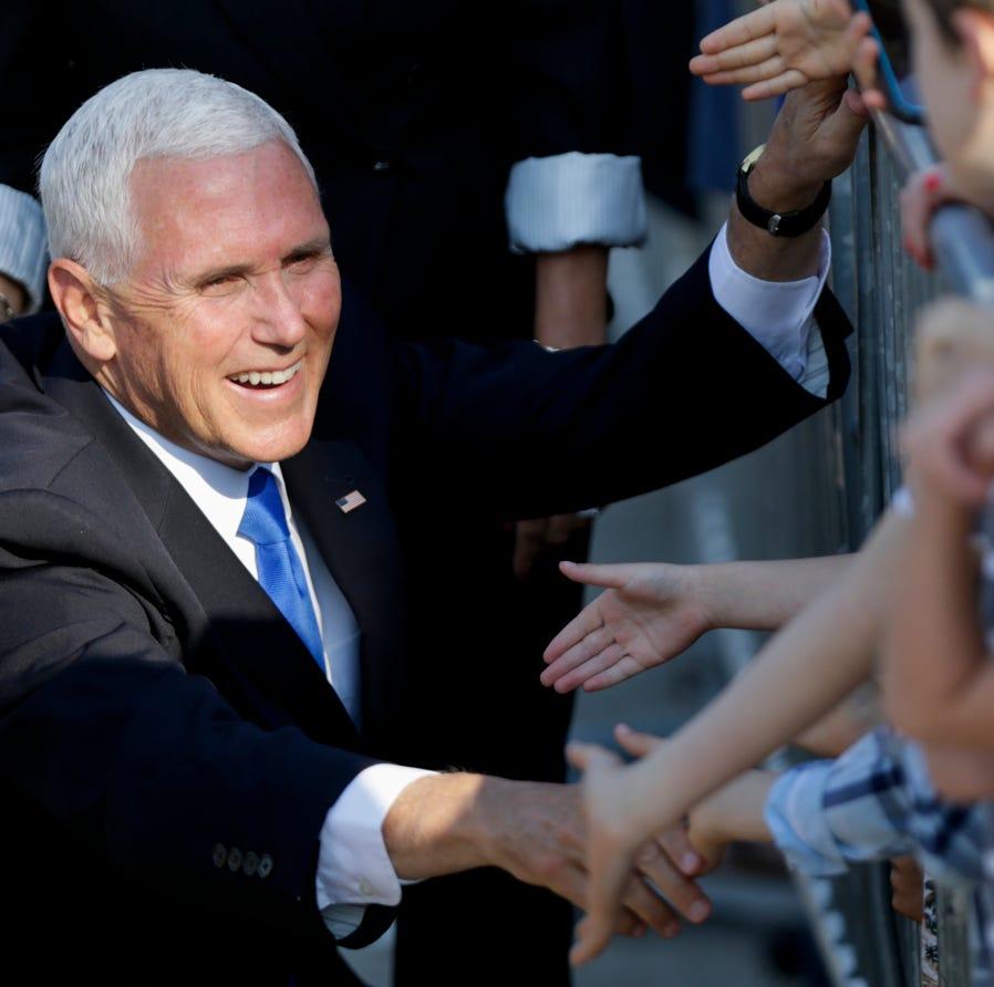 Vice President Pence lands in Muncie en route to Taylor University commencement
