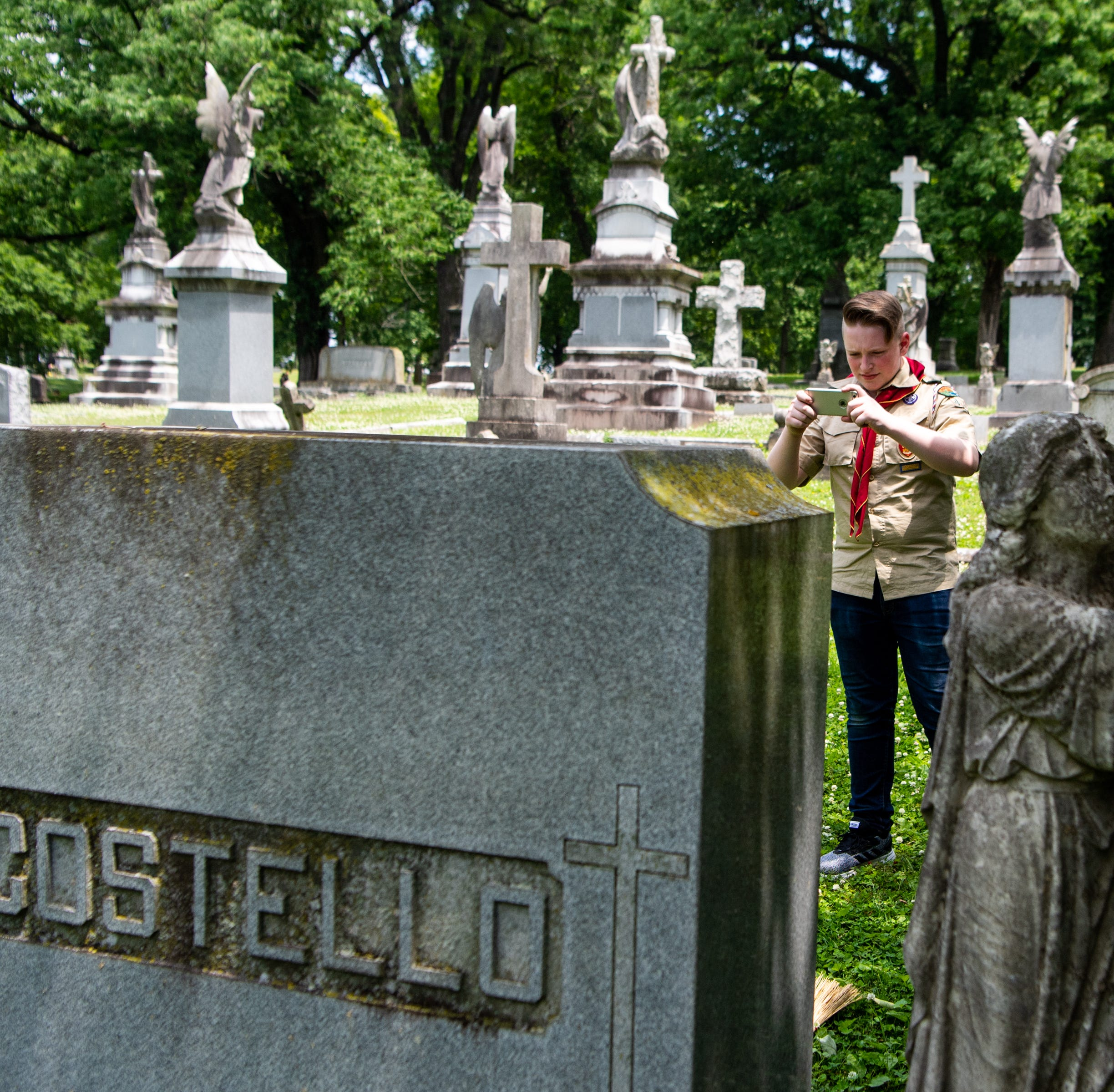 Aspiring Eagle Scout preserves memories of soldiers, war heroes at Nashville cemetery
