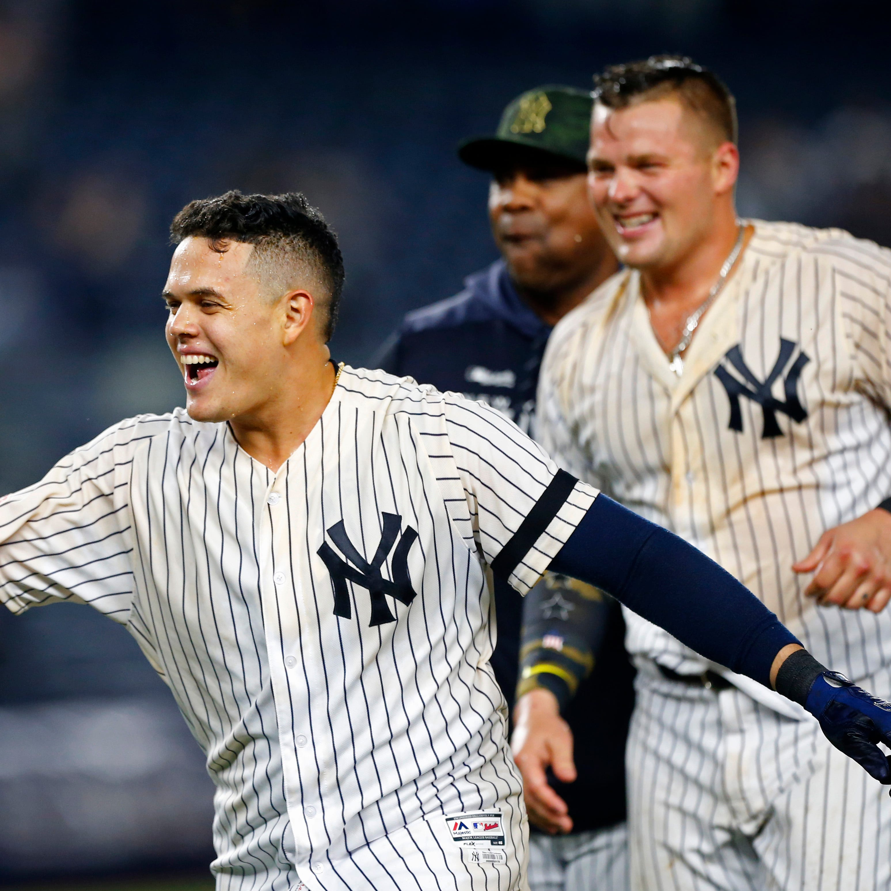 Yankees rally for walk-off win on Gio Urshela RBI to beat Rays, take over first place