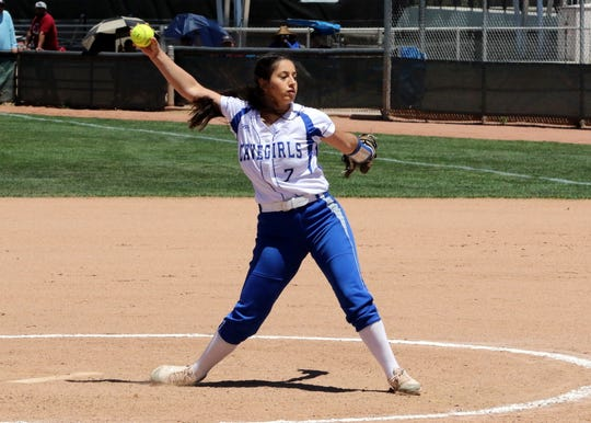 Ashley Hernandez pitches in the first inning of the 2019 5A New Mexico state championship game against Rio Rancho.