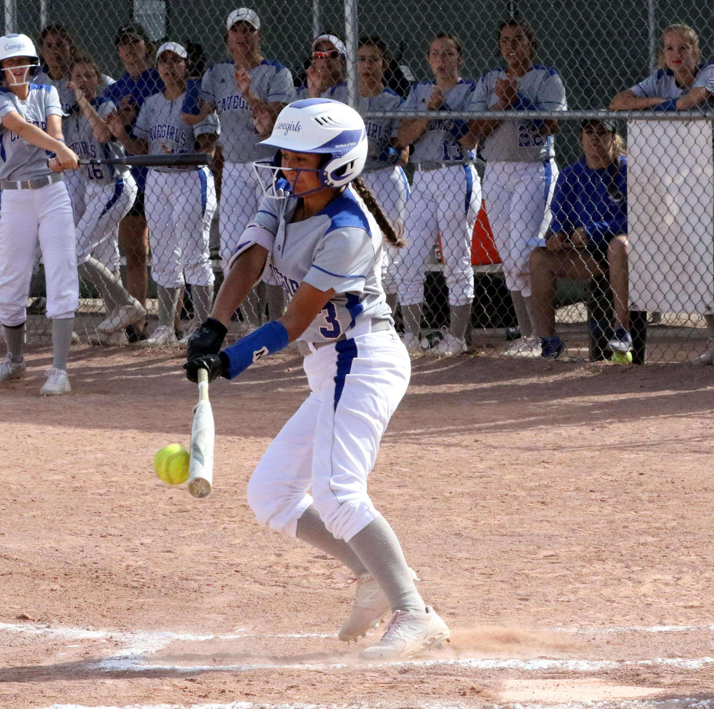 Cavegirls overwhelm Hobbs, heading to 5A softball title game