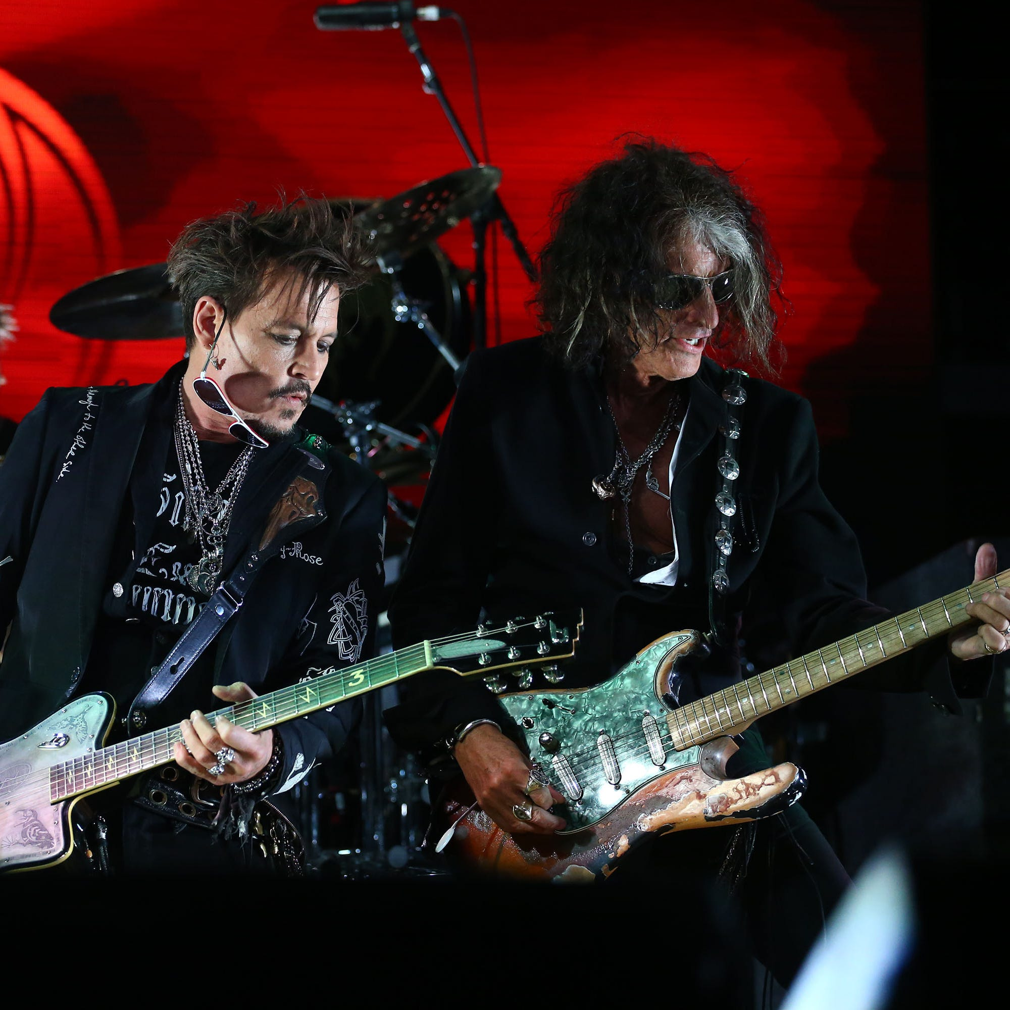 Alice Cooper, Johnny Depp, Joe Perry 'Rise' to the occasion as Hollywood Vampires rock Arizona