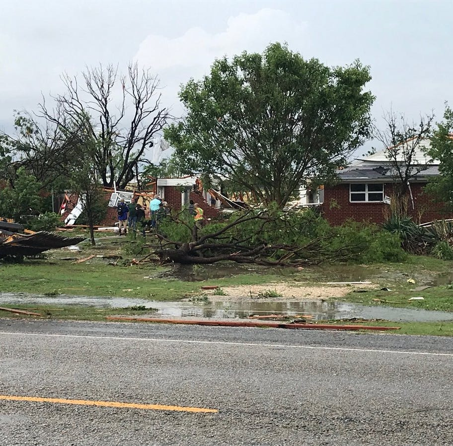 Tornado slams into Ballinger, destroying several homes
