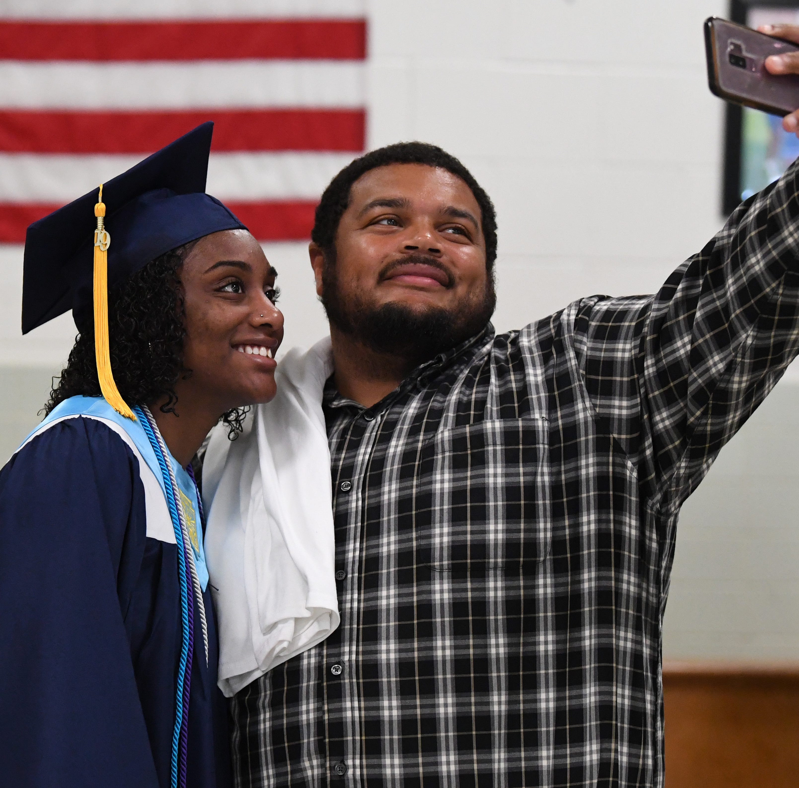 Class of 2019 gets final diplomas from Robert E. Lee High School